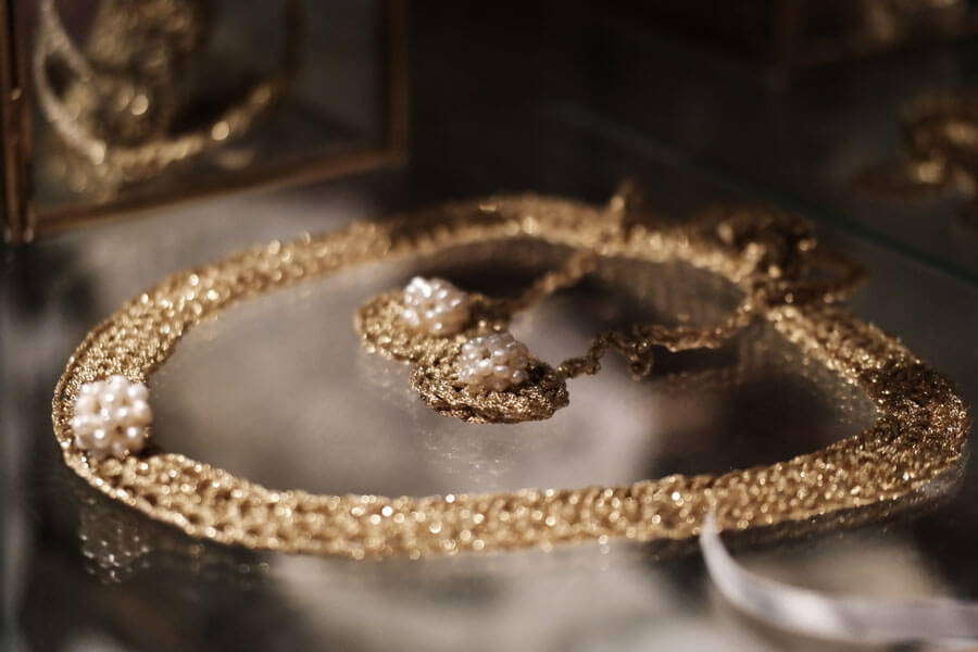 pearls, gold, necklace