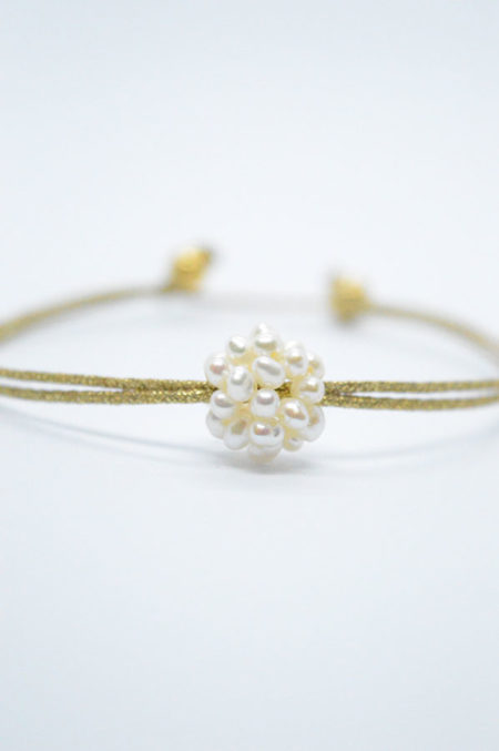 pearls bracelet gold yarn