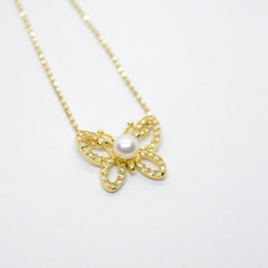 Butterfly Necklace gold chain pearl
