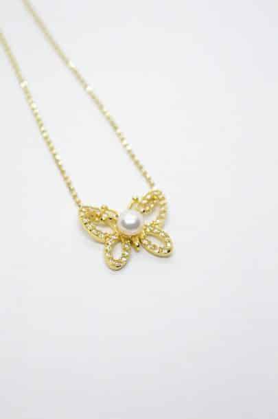 κολιέ πεταλούδα χρυσή αλυσίδα ζιργκόν μαργαριτάρι