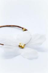 λευκό λουλούδι βραχιόλι σταυρός λευκό σμάλτο