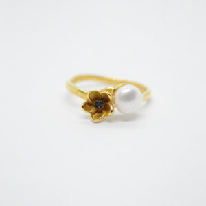 pearl black flower ring gold