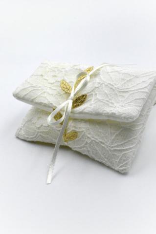 λευκός φάκελος δαντέλα χρυσά φύλλα